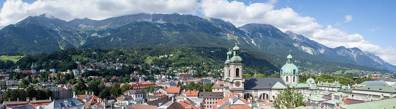 Innsbruck in front of mountains
