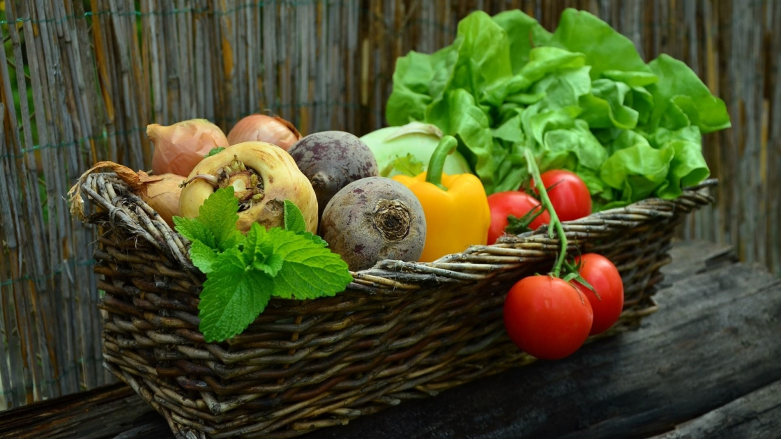 A basket with different kinds of vegetables