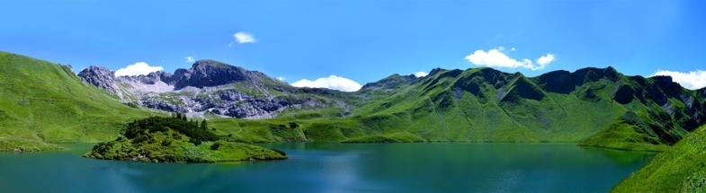 Schrecksee vor Alpenkulisse