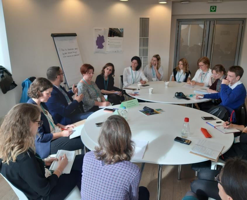 Runder Tisch mit Bürgermeistern bei der European Week of Regions and Cities