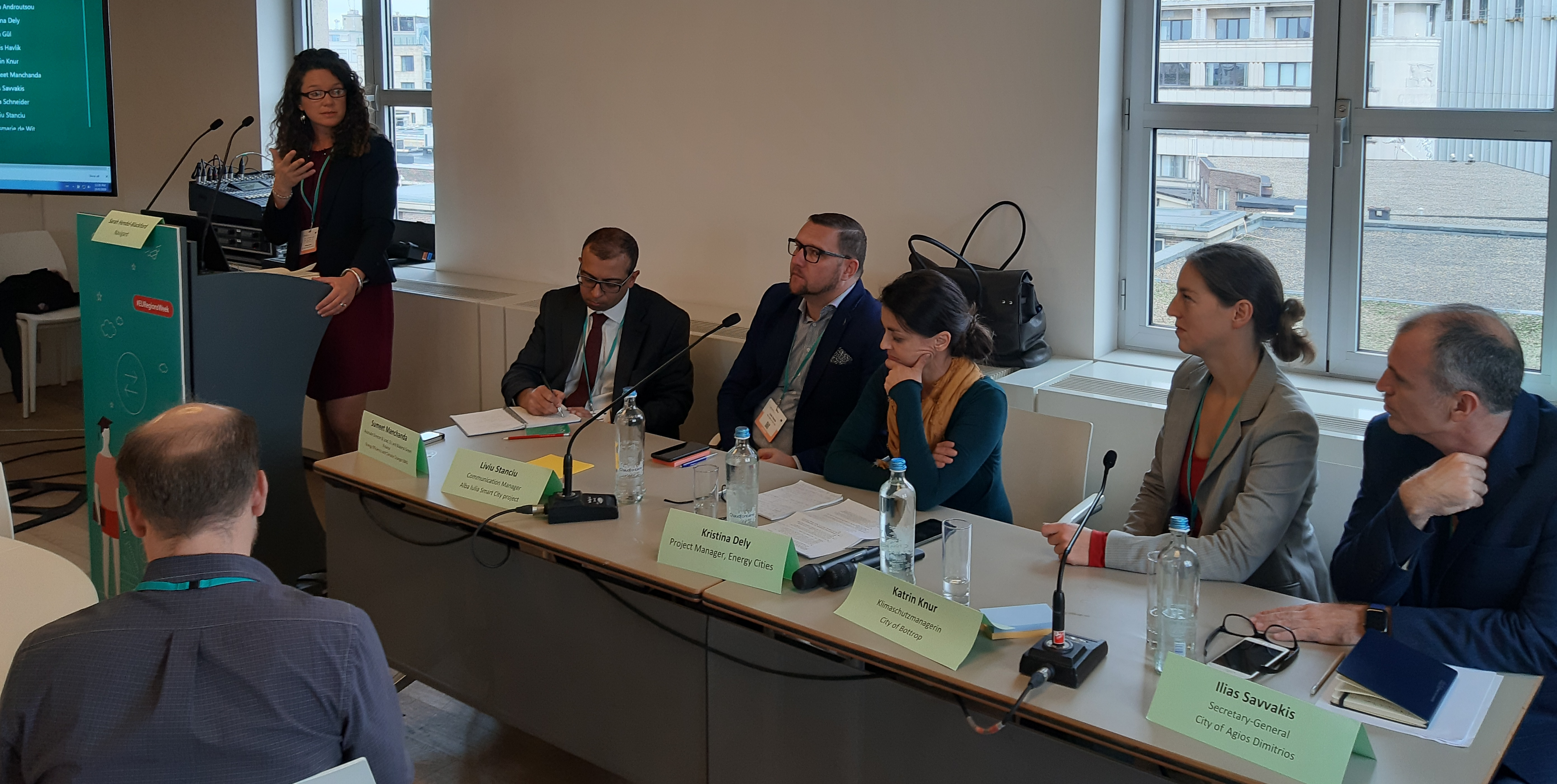 Podiumsdiskussion bei der European Week of Regions and Cities