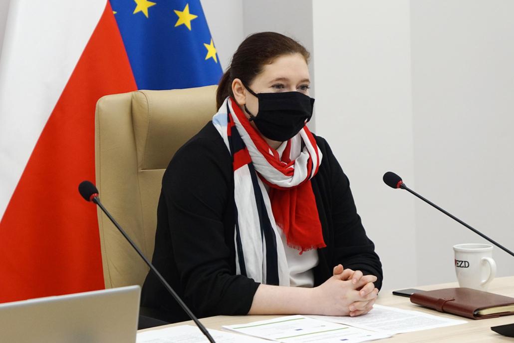 Staatssekretärin Anna Gębicka während der Online Konferenz