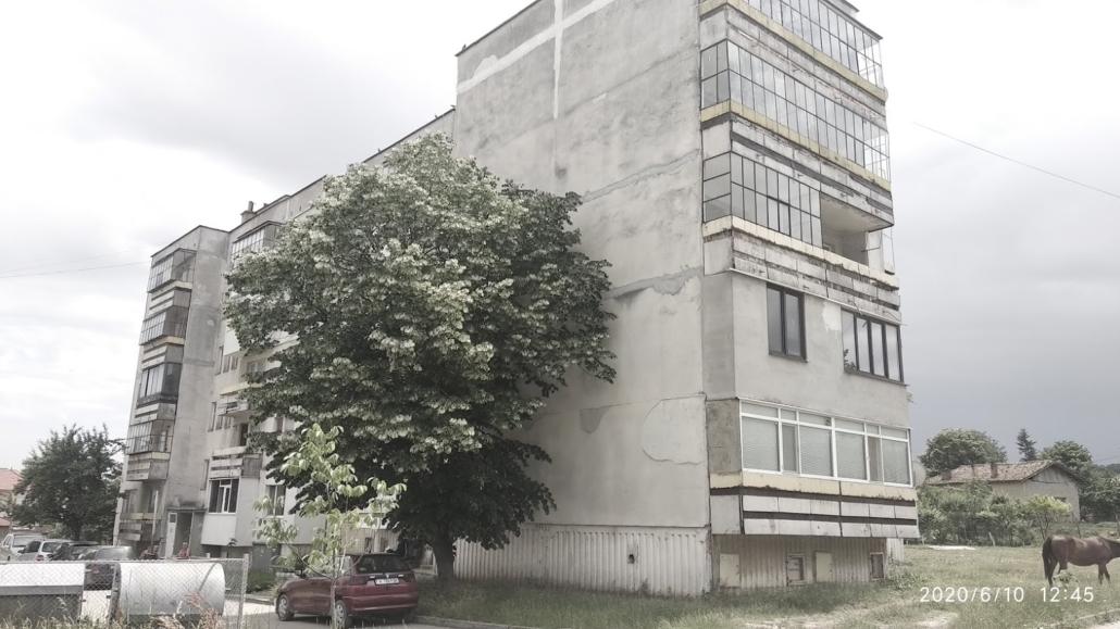 Multifamliy building for renovation in Smyadovo