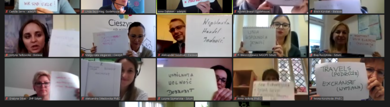 """Workshop participants from Polish municipalities show their associations with the keyword """"Europe"""" into the camera."""