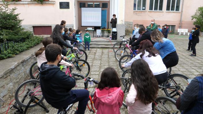 Fahrradkino Vorführung in Veliko Tarnovo, Bulgarien, organisiert von BEACON und NTEF