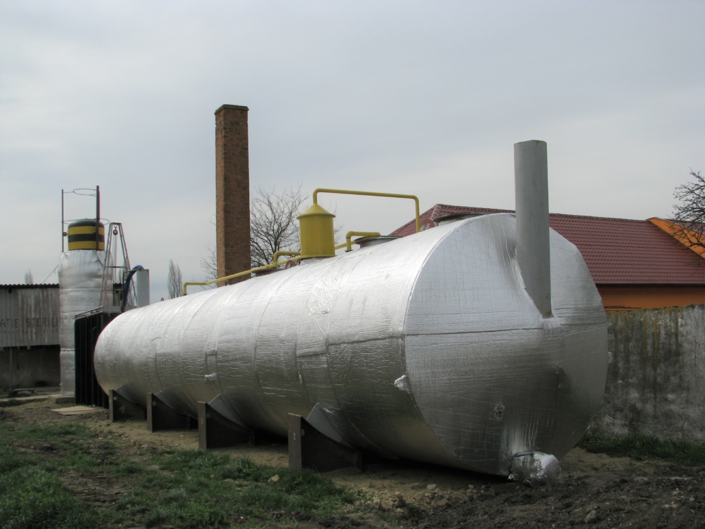 Low-cost biogas plant