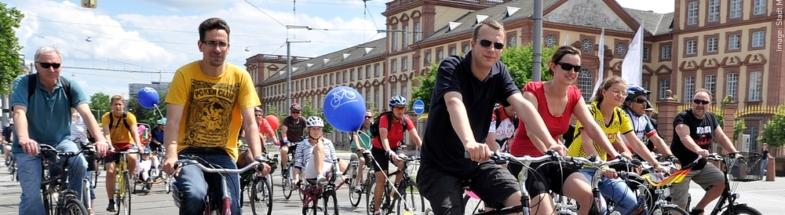 Radfahrer*innen in Mannheim.