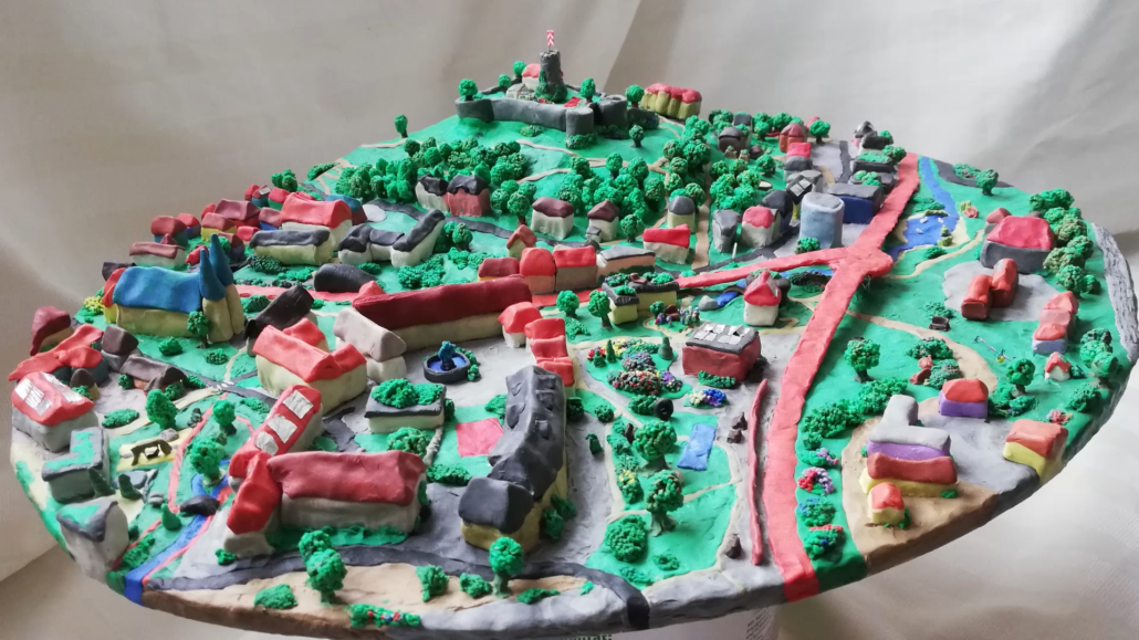 Model of climate neutral Bielefeld of the future built with modelling clay. Copyright: Marieke Kaasch